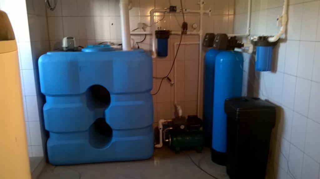 Комплекс очистки воды от радона железа и марганца.