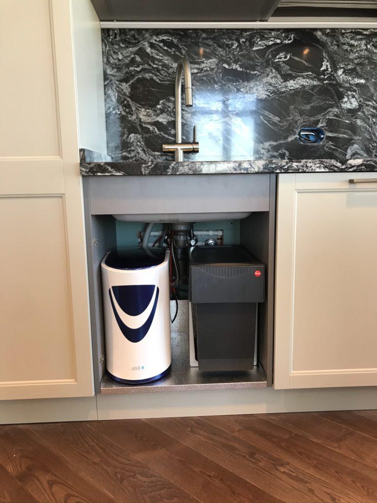 Питьевой фильтр на кухне